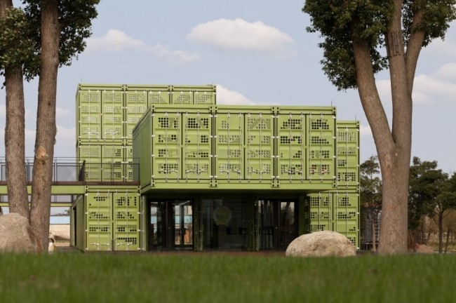 shipping-containers-architecture-tony-s-farm-playze-17.jpg