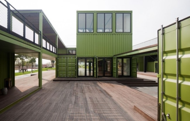 shipping-containers-architecture-tony-s-farm-playze-2.jpg