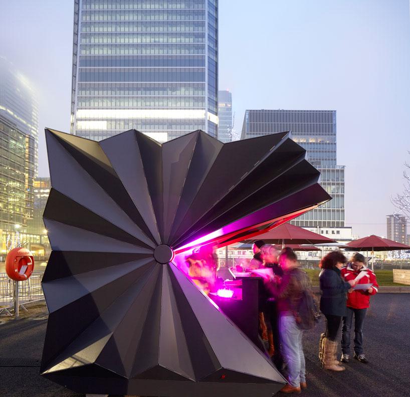 make-architects-folds-prefabricated-origami-kiosks-designboom-03.jpg